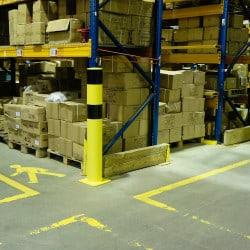 Poteau de protection industrielle - Fixation sur platine
