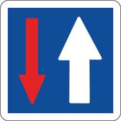 Panneau priorité par rapport à la circulation venant en sens inverse - C18