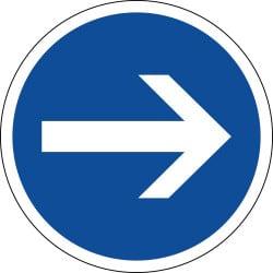 Panneau obligation de tourner à droite avant le panneau - B21-1