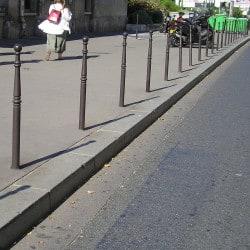 Borne anti stationnement traditionnelle Cordouan en acier